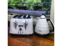 White diamond Delonghi Toaster and Kettle