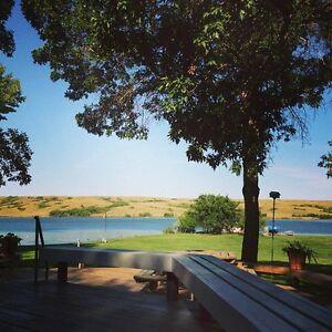 Beautiful Lakefront Home + Guest Cabin @ Buffalo Pound Lake