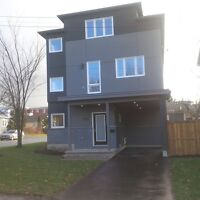 Central 3 Bed  available Immediately NEW NEW Rental
