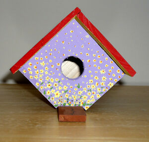 Small hanging Birdhouse .. NEW : never used ... Indoors/Outdoors