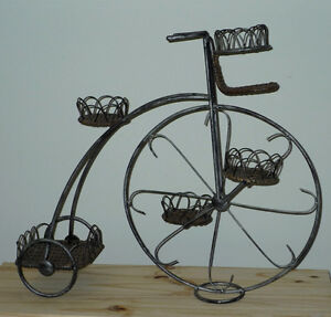 Tricycle Iron & Wicker Plant Stand .. Excellent Condition .. Cambridge Kitchener Area image 1