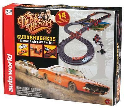 "Auto World Dukes of Hazzard Curvehuggers Slot Car Race Set w/Jumps 14"""