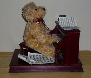 Piano Playing Bear ..Wood Piano : Clean,SmokeFree Cambridge Kitchener Area image 2