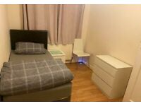Amazing Single Room to Rent in a Shared Flat in Beverley Drive, Kingsbury HA8