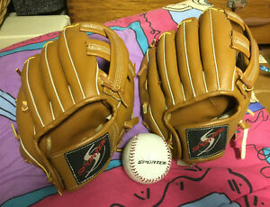 2 childrens  BASEBALL GLOVES - new condition