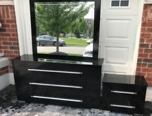 Black Dresser, Mirror & Side Table. Perfect for Back to School