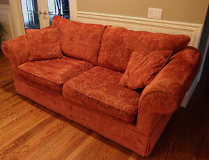 Rust colored sofa couches futons calgary kijiji for Sofa bed kijiji calgary