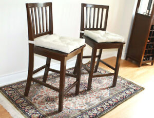 Twin bar stools / island chairs / dining chairs