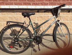 Vélo pour femme 18 vitesses (26 pouces)