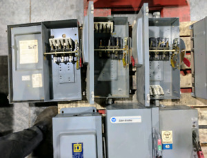 Electrical disconnect boxes