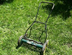 Manual Push Lawnmower