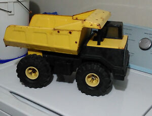 Vintage Tonka Dump Truck from the '90s