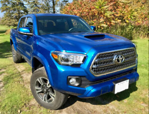 2016 Toyota Tacoma TRD Sport For Sale, rare short box/6 speed