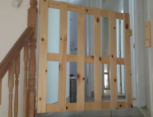 BABY/PET Safety Gate/Door hard wood 2pc West Island Greater Montréal image 2