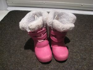 I am selling girls winter boots