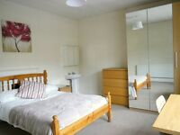 2 Large double rooms in sociable professional house-share - Bills inc - Close to City