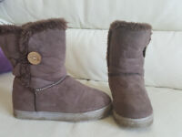 Brown winter boots size 12-13