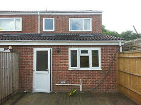 A 4 bedroom house to let off Hollow Way available new academic year 2017-2018.