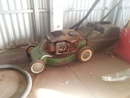 Lawn mower 2 stroke working but small leak Brooklyn Park West Torrens Area Preview