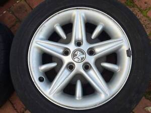 VT SS 17 Holden Commodore rims Karrinyup Stirling Area Preview