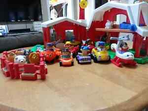Hallebourg: toy farm, animals, people, vehicles