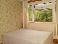Southfield Park, Furnished single room available now to prof. sharer/ mature student - Brookes/ BMW