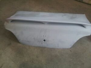Trunk and spoiler 1996-2000 Hyundai Elantra