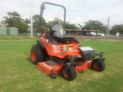 KUBOTA ZD331 ROPS ZERO TURN MOWER (H)