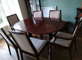 Nathan table & chairs