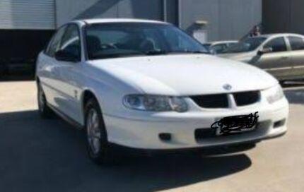 Holden VX Commodore 2001 White Auto