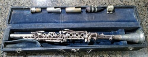 Vintage Cavalier Metal Silver Clarinet Elkhart, IN USA With Mouthpieces and Case