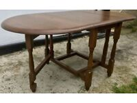 LOVELY SOLID OAK WOODEN FOLDABLE DINING TABLE - EXCELLENT WORKING CONDITION - £85 ONO