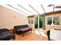 Very spacious 4 bedroom house in Camberwell