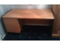 Top quality Office Desk - Beech type colour