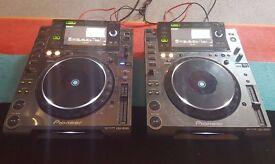 Pioneer CDJ2000 (pair)