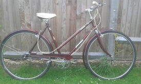 Vintage ladies bicycle Edwardes British made roadster/ tourer bike very nice