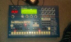 Yamaha RM1X Groovebox synth sepuencer