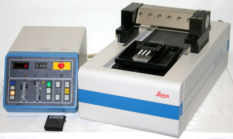 LEICA LARGE SCALE HEAVY-DUTY SLIDING SLEDGE MICROTOME, MODEL SM2500S, POLYCUT S