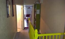 Very clean double bedroom for rent. Quite and safe area, 3 stations close by.