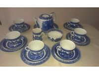 22 Piece Willow Pattern Tea Set