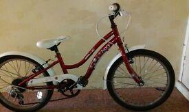 Girls Apollo Ivory bike. 4-8 years. 20inch wheels. 6 gears. Good condition.