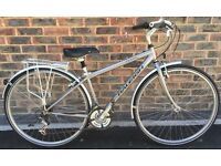 18 inch Raleigh Pioneer Aluminium Hybrid ladies town & country bike bicycle Mudguards and rack