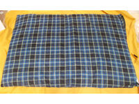 Large Dog Bed Checked 140 x 90cm