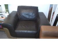LOVELY BROWN LEATHER ARMCHAIR (WIDE)