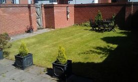 1 Bed Apartment Large Private Garden Fully Furnished Gated Car Space