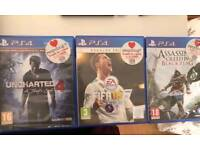 PLAYSTATION 4 - 500gb - FOR SALE