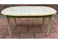 Solid 4/6 seated dining table