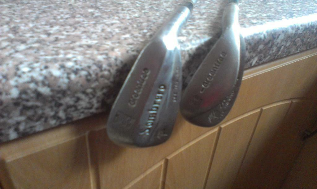 2 old Lee Trevino clubs a PW and SI