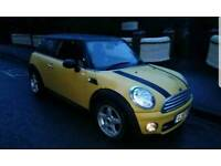 Mini BMW diesel sport with heated leather seats, FSH and 2 keys