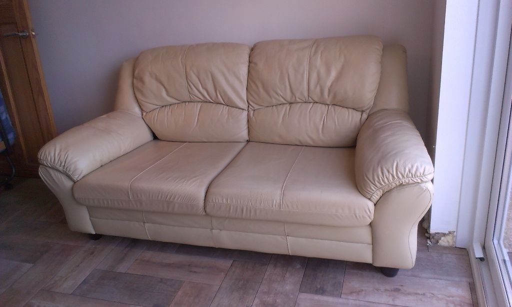 Must go used 3 seater cream leather sofa in bargoed for Leather sofa 7 seater